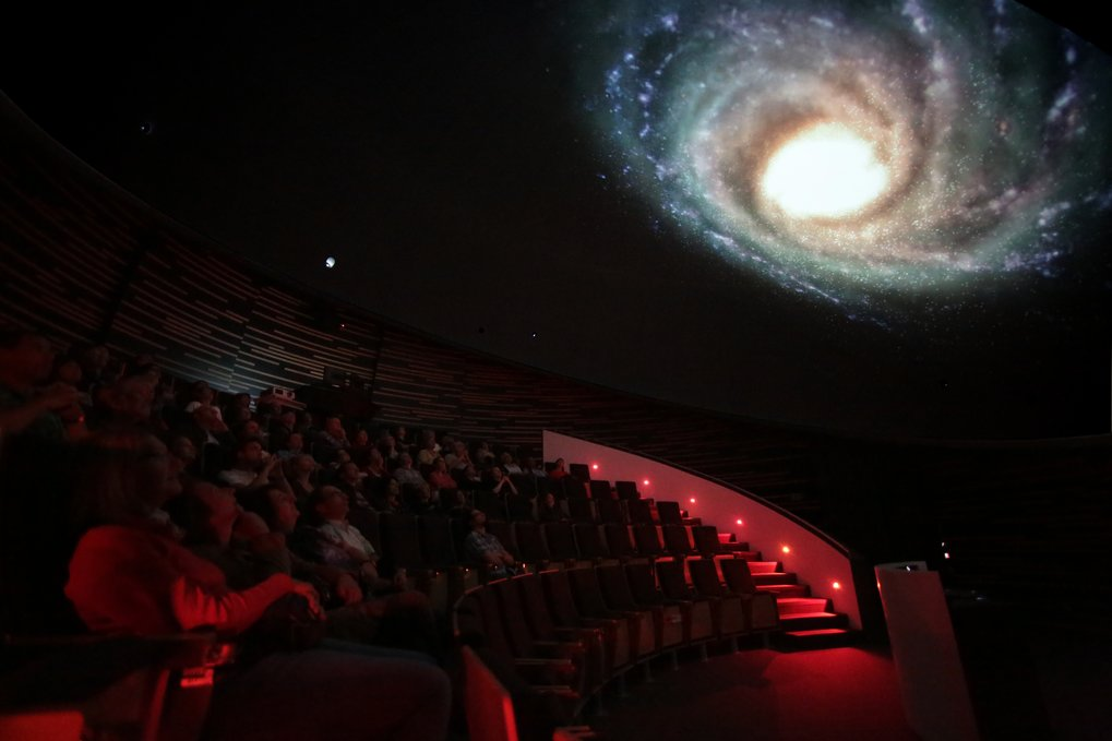 The HdA's central auditorium is equipped with a digital planetarium system. Here, visitors can take virtual journeys into space - in this example, in September 2012, we have travelled outside our Milky Way galaxy and are looking back. The planetarium also allows for the projection of astronomical images and visualizations.