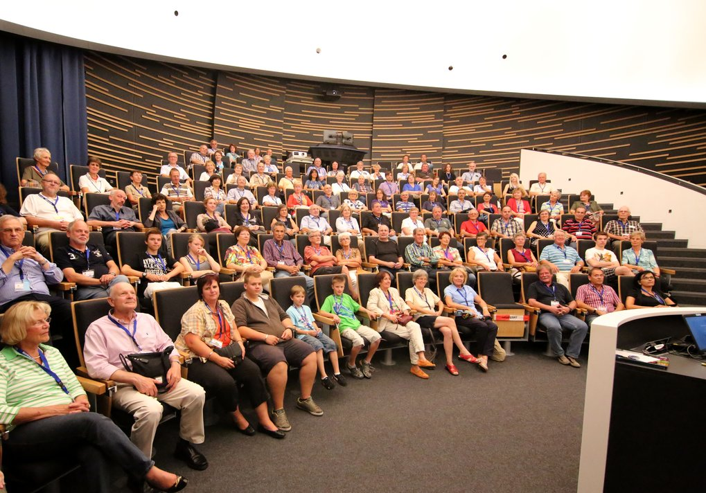 The central auditorium of the HdA, the Klaus Tschira Auditorium, seats 100 and features a digital planetarium system. It is regularly used for events for the general public - notably for our series of public talks, but also for guided tours through the astronomical institutes on Königstuhl, as here in September 2012. Image: HdA/M. Pössel