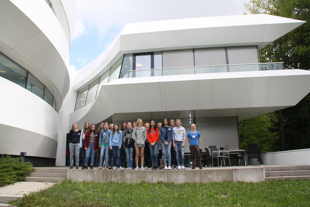 <span>Participants of the 2018 Girls Day at the Haus der Astronomie</span>